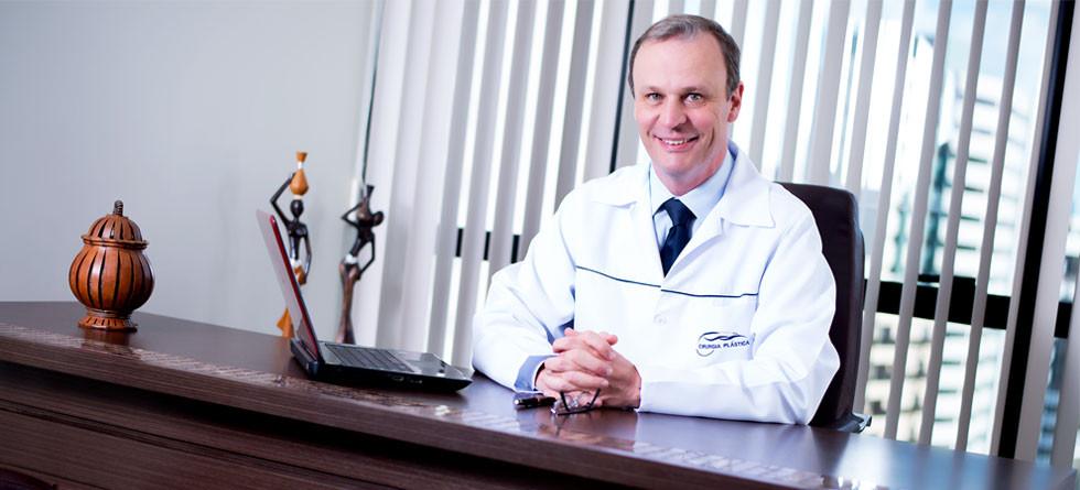 Dr. Eduardo V. de Oliveira
